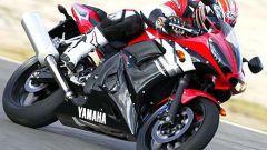 In sella alla Yamaha R6 '03 - Immagine: 19