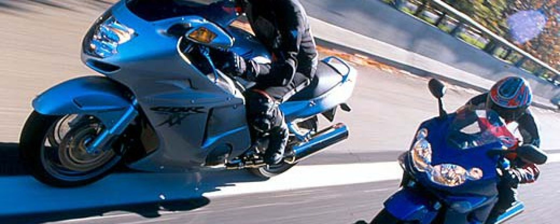 Sport Touring:Honda CBR XX vs Kawasaki ZZ-R
