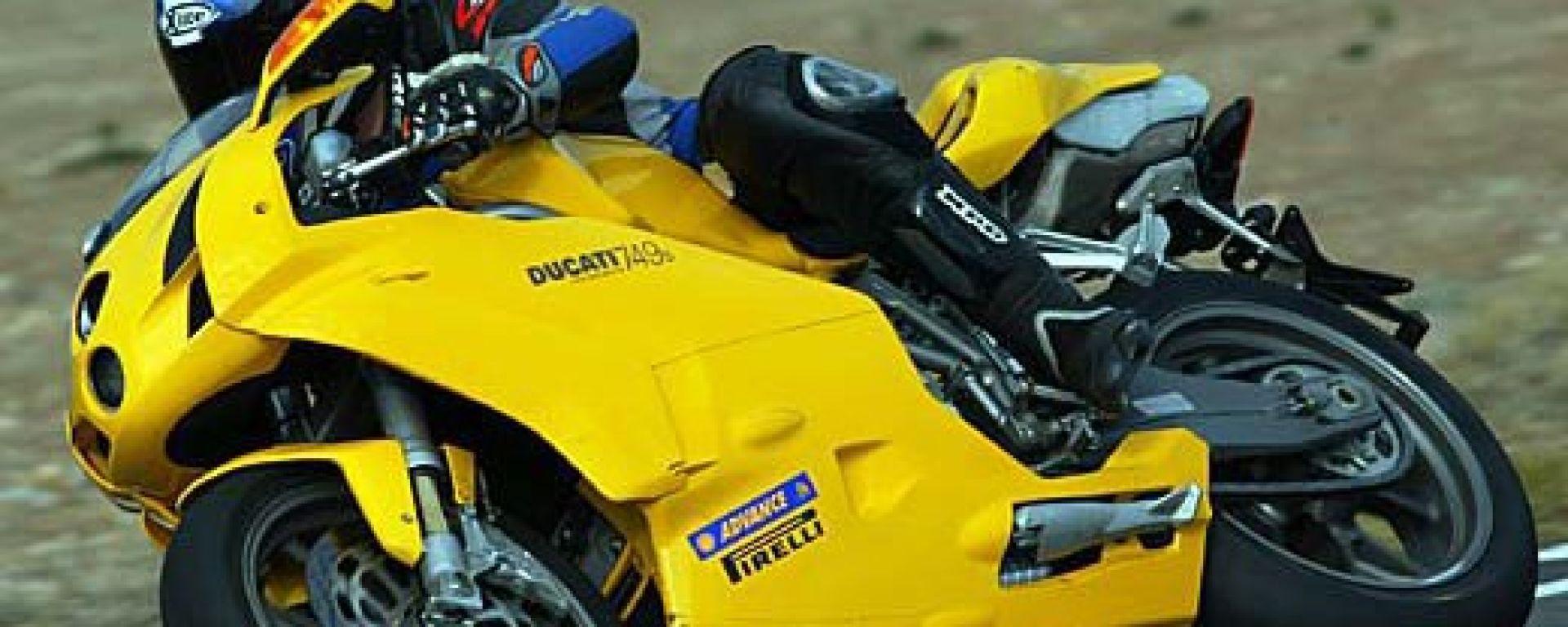 In sella alla Ducati 749 S