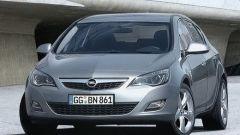 Nuova Opel Astra 2010, le prime foto - Immagine: 1
