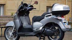In sella a Aprilia Scarabeo 500 - Immagine: 2