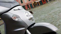 In sella a Aprilia Scarabeo 500 - Immagine: 5