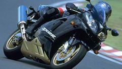 In pista con la Kawasaki ZX-12 R 2002 - Immagine: 9