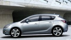 Nuova Opel Astra 2010, le prime foto - Immagine: 3