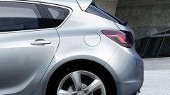 Nuova Opel Astra 2010, le prime foto - Immagine: 4