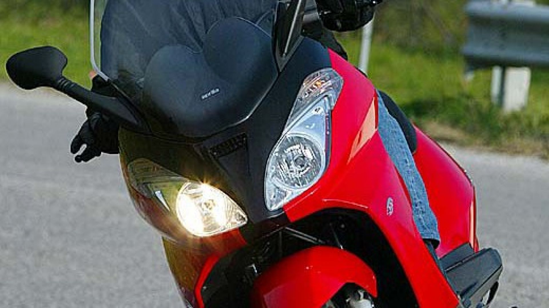 Immagine 26: In sella a: Aprilia Atlantic 125-200