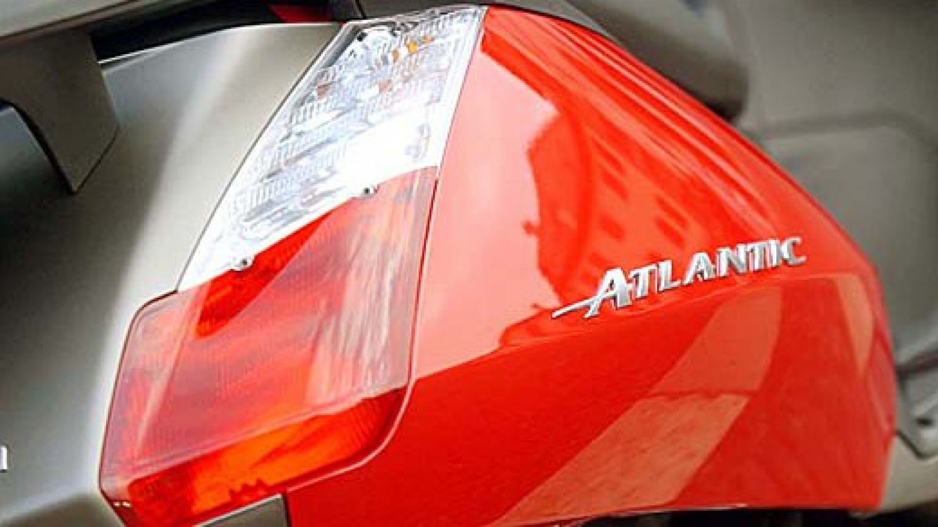 Immagine 2: In sella a: Aprilia Atlantic 125-200
