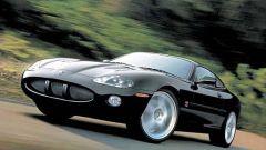 Su strada con la Jaguar XK my 2003 - Immagine: 1