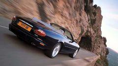 Su strada con la Jaguar XK my 2003 - Immagine: 24