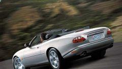 Su strada con la Jaguar XK my 2003 - Immagine: 19