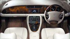 Su strada con la Jaguar XK my 2003 - Immagine: 8