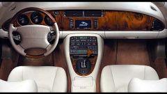 Su strada con la Jaguar XK my 2003 - Immagine: 9