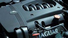 Su strada con la Jaguar XK my 2003 - Immagine: 17
