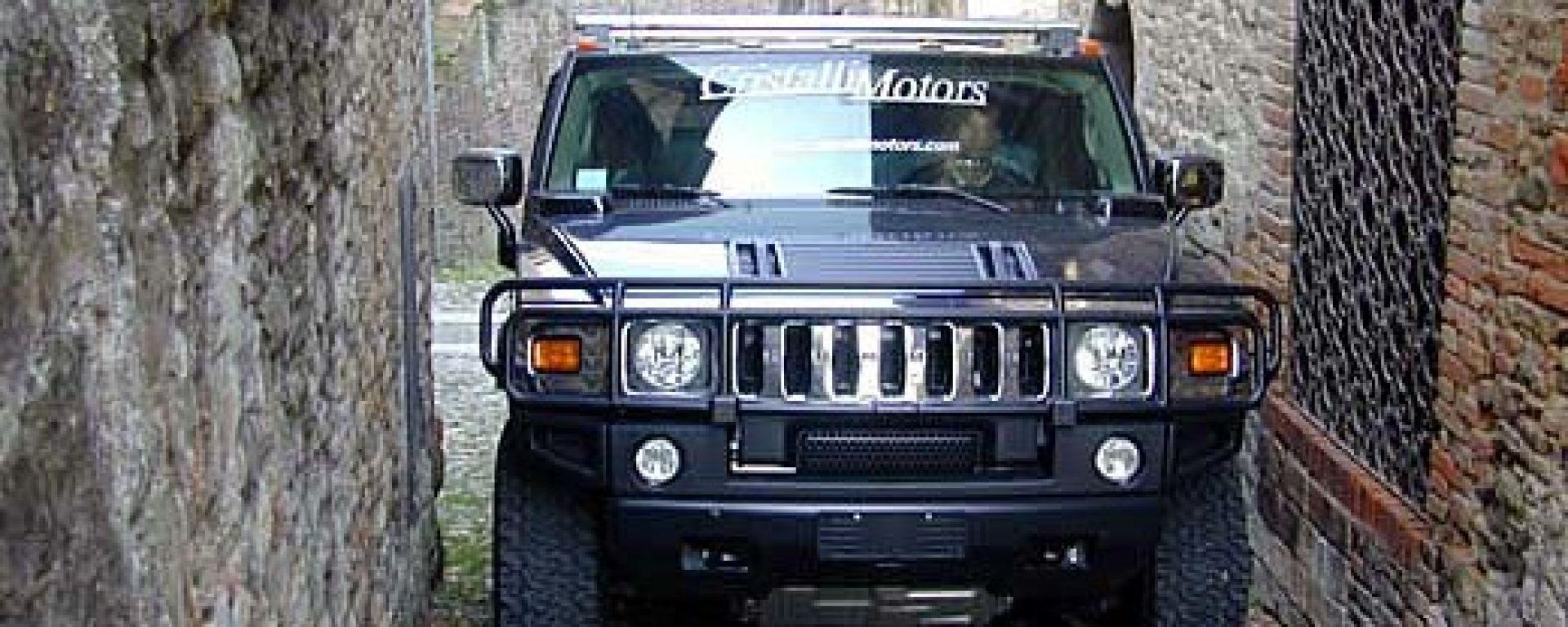Esclusivo: su strada con l'Hummer H2