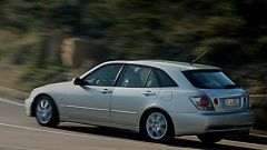 Su strada con la Lexus IS 200 Wagon - Immagine: 1
