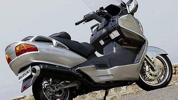 Immagine 10: Suzuki Burgman 650