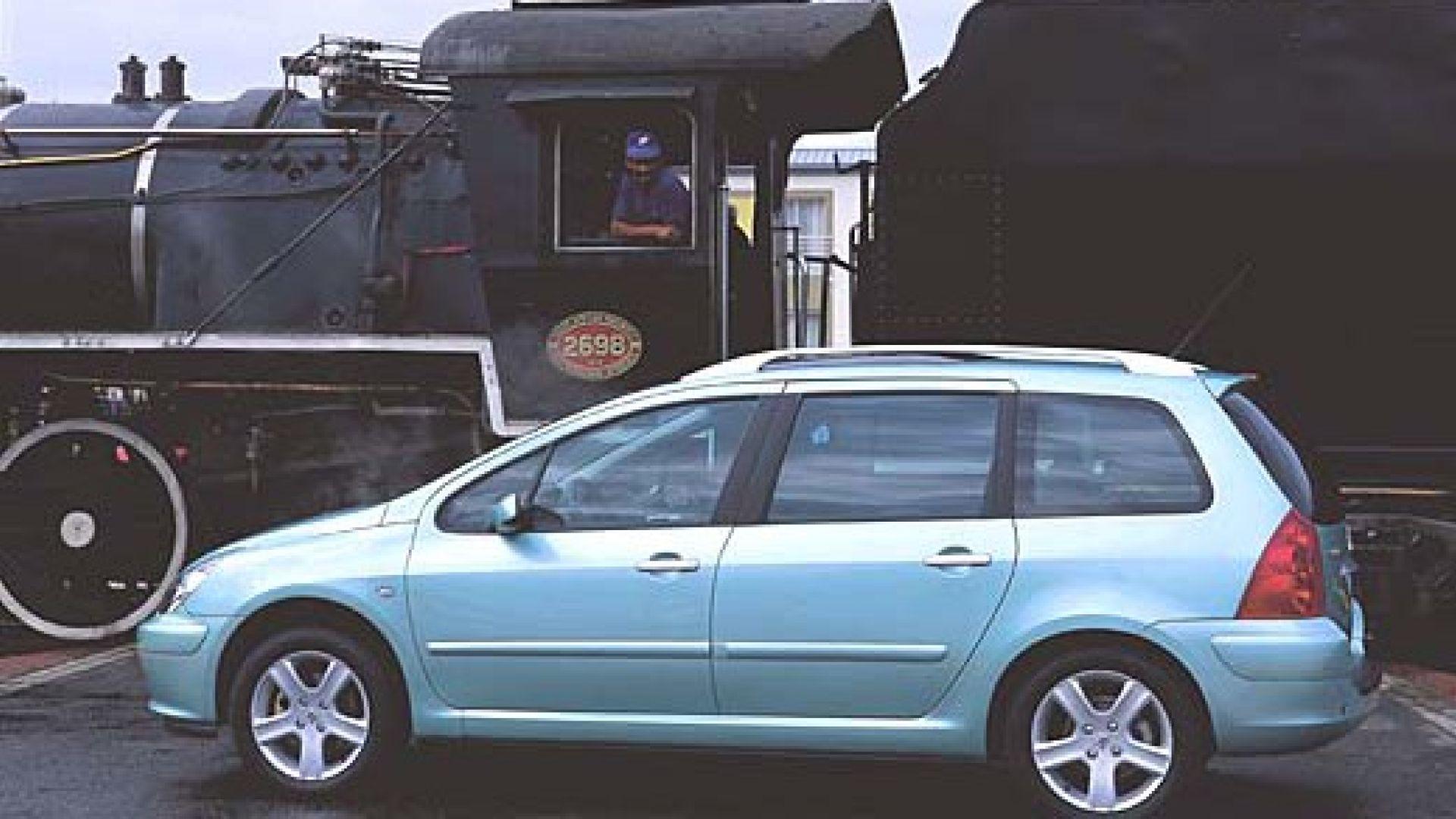 Immagine 9: Su strada con la Peugeot 307 SW