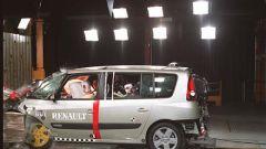 Su strada con la Renault Espace IV - Immagine: 16