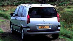 Su strada con la Peugeot 807 - Immagine: 16