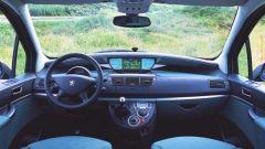 Su strada con la Peugeot 807 - Immagine: 10