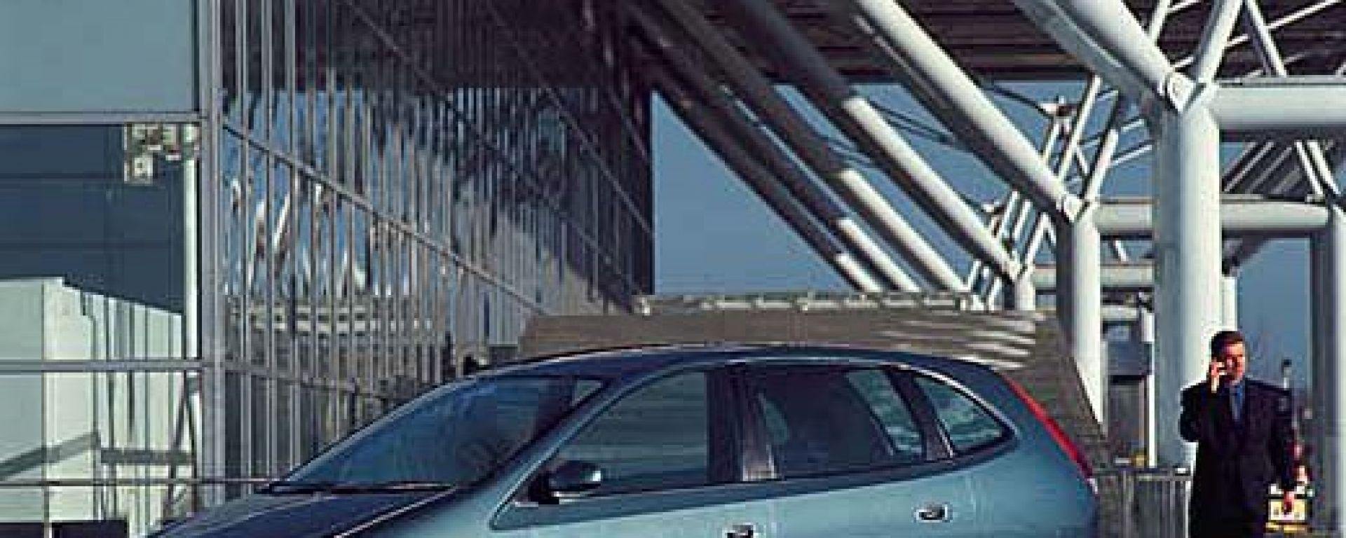 Nissan Almera Tino 2200 TD