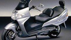 Suzuki Burgman 400 Martini Racing: elogio dell'esclusività. - Immagine: 1