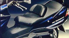 Suzuki Burgman 400 Martini Racing: elogio dell'esclusività. - Immagine: 5