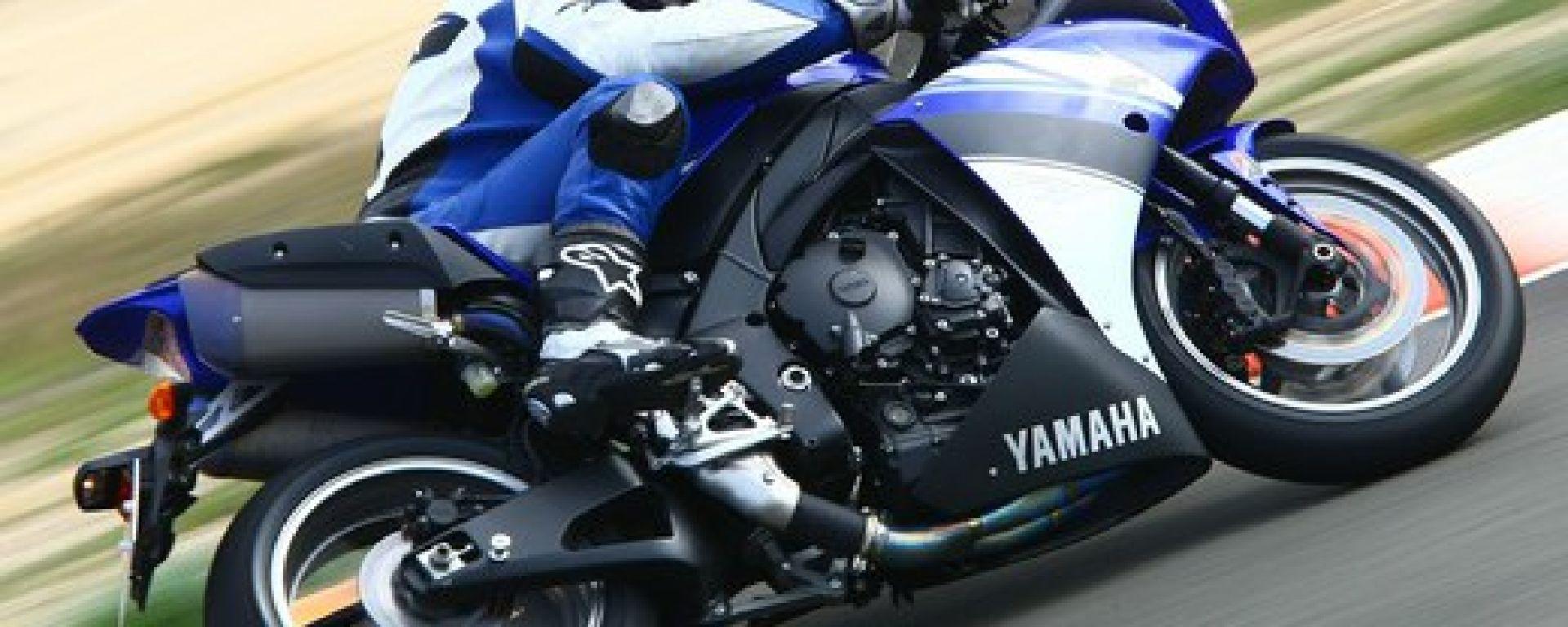 Prova: Yamaha R1 - MotorBox