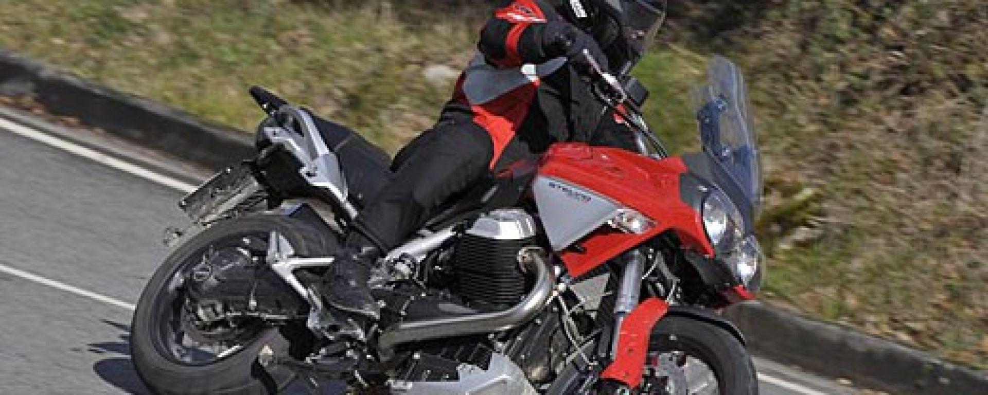 Big Enduro Contro - Moto Guzzi Stelvio