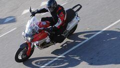 Big Enduro Contro - Moto Guzzi Stelvio - Immagine: 2