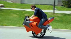 UnoMoto, due ruote, ma affiancate - Immagine: 2