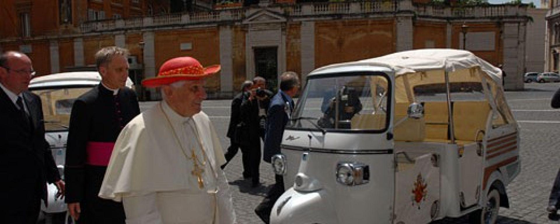 PIAGGIO: due Calessino in Vaticano