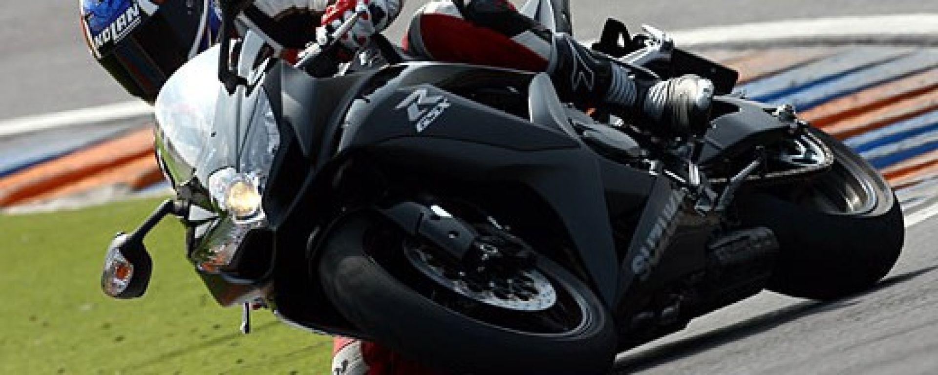 Suzuki Gsxr 750 >> Prova: Suzuki GSX-R 750 K8 - MotorBox