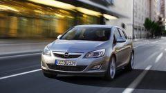 Opel Astra 2010, le prime foto ufficiali - Immagine: 1