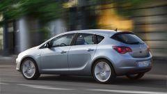 Opel Astra 2010, le prime foto ufficiali - Immagine: 3