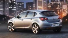 Opel Astra 2010, le prime foto ufficiali - Immagine: 4