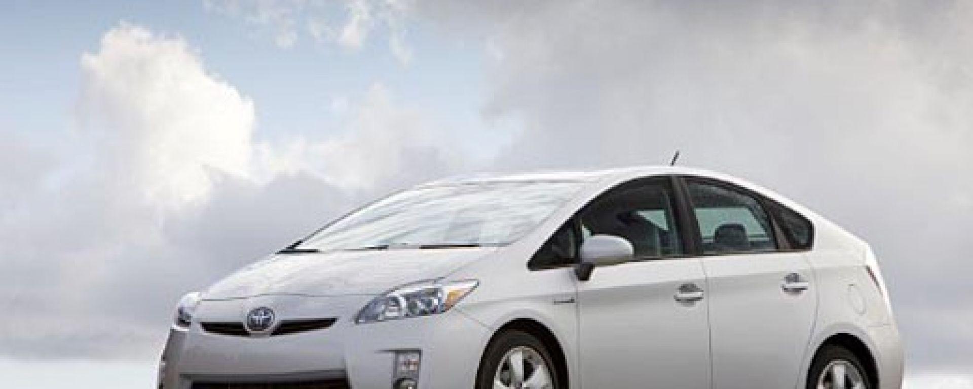 TOYOTA: inizia il rodaggio della Prius plug-in