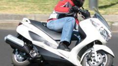 Suzuki Burgman 200 Vs Sym Joyride 200 Evo - Immagine: 2