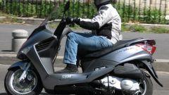 Suzuki Burgman 200 Vs Sym Joyride 200 Evo - Immagine: 5