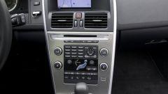 Volvo XC60 2.4D FWD - Immagine: 7