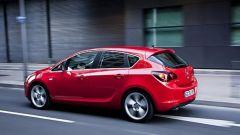 Opel Astra 2010 - Immagine: 2