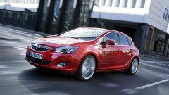 Opel Astra 2010 - Immagine: 4