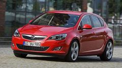 Opel Astra 2010 - Immagine: 5