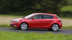Opel Astra 2010 - Immagine: 6