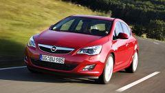 Opel Astra 2010 - Immagine: 7