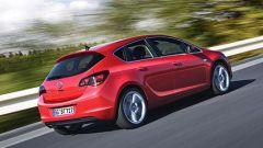 Opel Astra 2010 - Immagine: 8