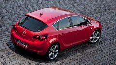 Opel Astra 2010 - Immagine: 15