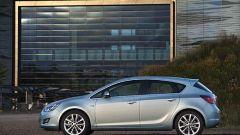Opel Astra 2010 - Immagine: 17