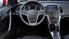 Opel Astra 2010 - Immagine: 27