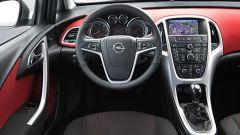 Opel Astra 2010 - Immagine: 28